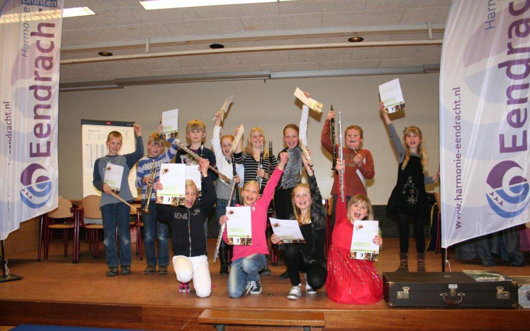 Scholenproject afgerond met slotconcertje en diploma!